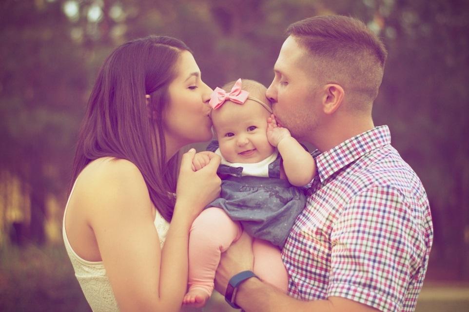 Mutter, Kind und Vater